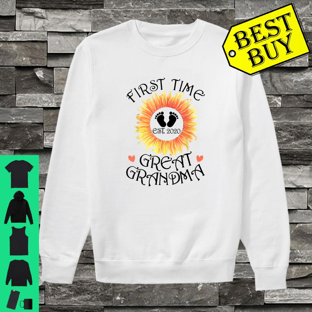 First Time Great Grandma est. 2020 New Grandma To Be Shirt sweater